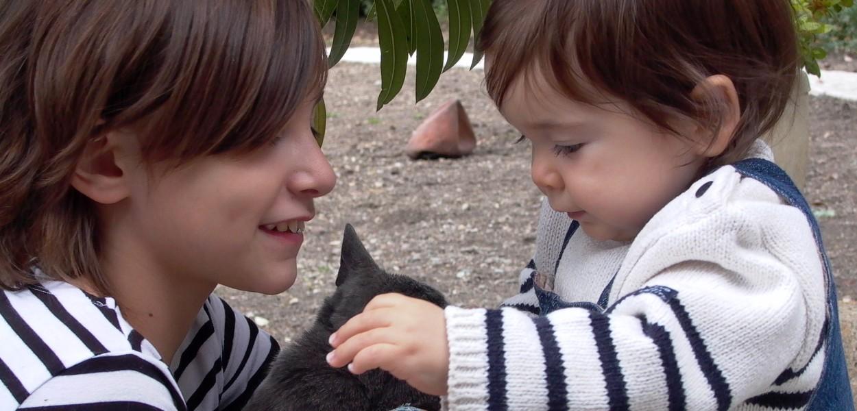 Clotilde et Alice Juin 2011 088