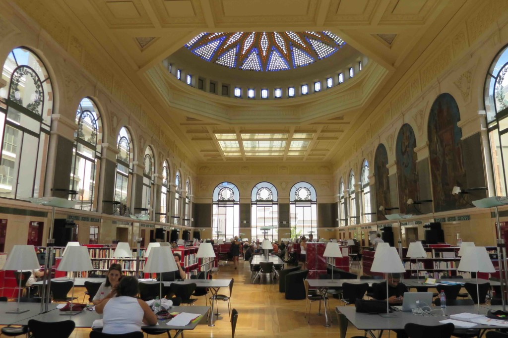 Bibliotheque_Toulouse_salle_lecture